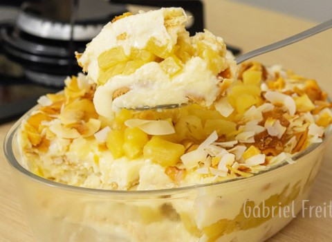 sobremesa gelada de abacaxi