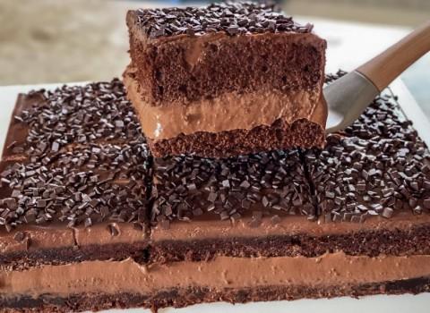 bolo gelado de chocolate